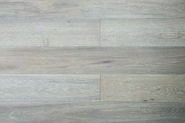 装修风格: 欧式,港式,美式,法式,新古典 色系: 暖色 颜色: 青灰色 木