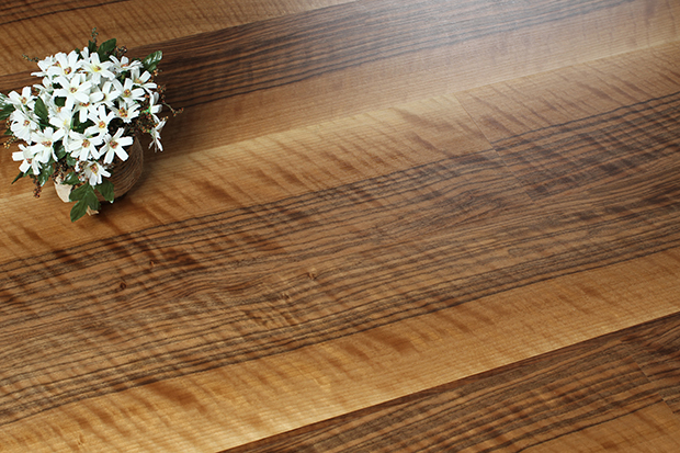 VFL-P151(斑点胡桃木) 万博官方进口装饰单板层压木质新万博manbetx官网登录 胡桃木 锁扣